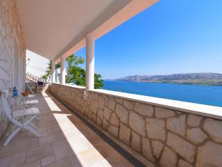 Villa Fiola in beautiful lagoon
