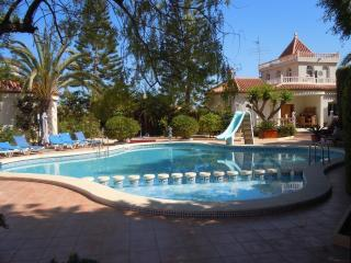 Costa Blanca South - 4 Bed Detached Villa + Pool, Torrevieja