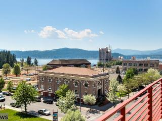 Modern, luxury condo in the heart of downtown w/ lake views!, Coeur d'Alene