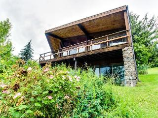 Private dock, views of Coeur d'Alene at this lakefront cabin