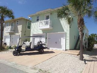 Luxury Beach Cottage in Village Walk, Free Golf Cart, Dogs Welcome, Port Aransas