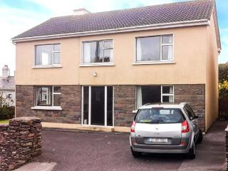 1 SLOANE HEIGHTS, pet friendly, with a garden in Waterville, County Kerry, Ref 4090
