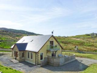 OCEAN VIEW, decking area with furniture, lawned garden, sea views, near Glenties
