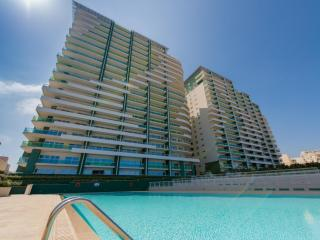 Luxury Apt in Fort Cambridge, Sliema with Pool