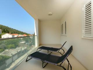 Dvori Lapad for 6 -big balcony