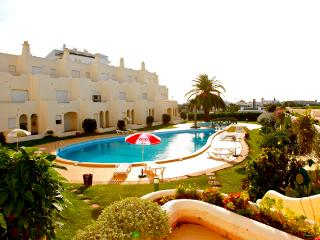 Ceilidh Apartments, Alvor, Algarve
