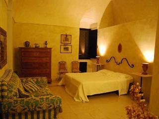 Casale dei Lauri  in suite Alba con cucina x 4 persone, Rodi Garganico