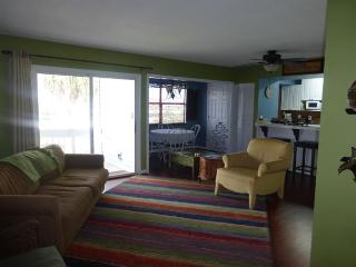 Wonderful 2 Bedroom 2 Bathroom Condo Near the Beach!! Second floor unit!!!!!!, Destin