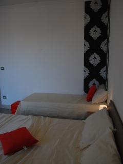 camera da letto bianco nero
