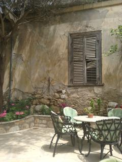 old Tavern in Polis Village