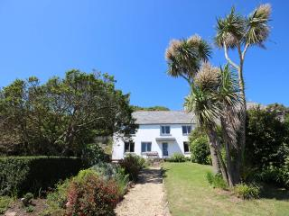 Foss cottage: Beautiful old cottage with a panoramic seaview, idyllic & spacious, East Prawle