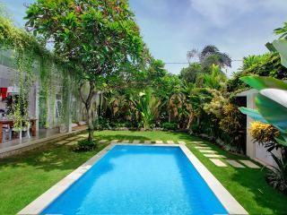 2 Bedroom Villa Central Seminyak with Large Garden
