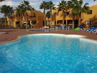 Apartamentos centricos con 3 piscinas + wifi
