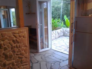 small house/beach 40m, Korcula Stadt