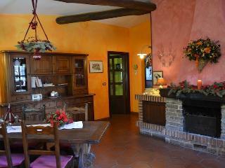 Romantica casa vacanza nel Monferrato con giardino