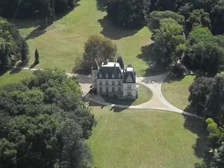 Chateau du Breuil /private apartment Loire valley