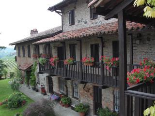 Casa Giuliana, Asti