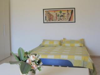 Residence la Piazza studio for rent, Santa Maria