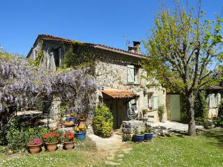 Charming stonehouse with pool near Fayence., Tourrettes