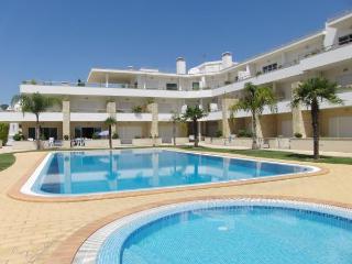 Wonderful Apartment Near Olhos De Água Beach, Olhos de Água