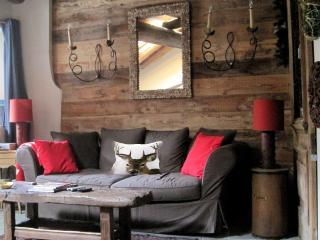 Elegante appartamento su 2 piani in baita del 1600, Oulx