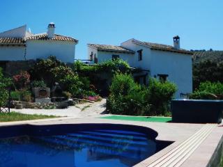 El serval,heated pool, jacuzzi, spa, wi-ffi.., Montefrío