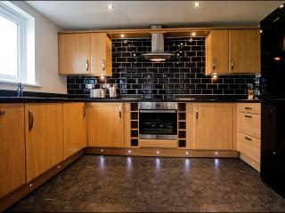 Awel y Mor, Luxury Holiday Apartment, Llanelli.