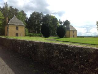Melville house east pavilion, Cupar
