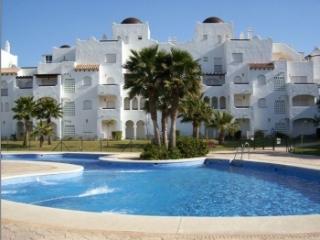 Dúplex 120 m2 - vistas al golf y piscina - 6 min. a pie de playa - Padel y tenis
