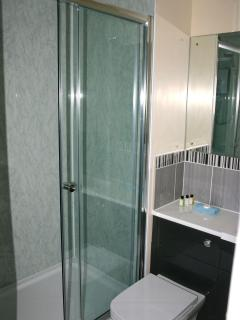 and an electric shower in the en-suite