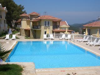 Villa Pyronia - Nicholas Gate