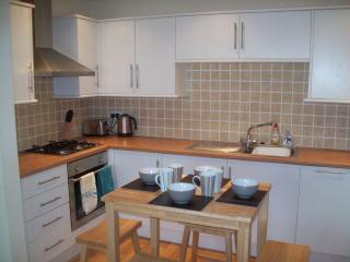 3 Bryn Eglwys a cosy modern holiday home, Rhosneigr