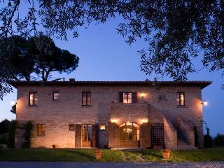 Casale del Gabbiano - large villa near Cortona