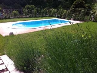 Alojamiento Ca la Lola i en Quel, Girona
