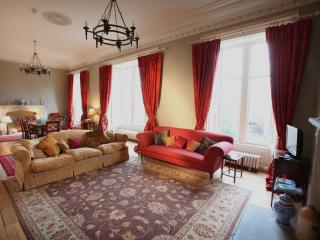Kinghorn Town Hall - Historical 3 bedroom Apartment on Fife Coast