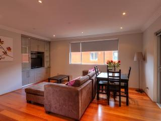 Beautiful Peaceful Beachside 2 Bedroom Apartment, Coogee