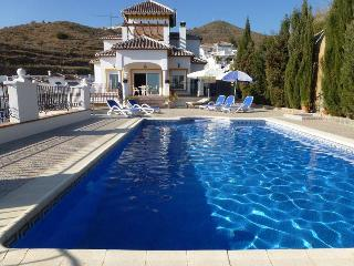 VILLA TEBA- 4 bedrooms villa with amazing views, Torrox