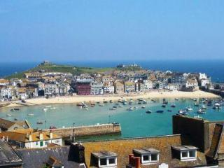The Penthouse Pednolver Apartment 4, St Ives