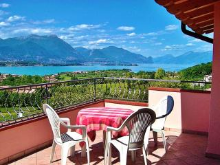 A/6 One-Bedroom Apart. Pool View Terrace 3 pers., Manerba del Garda