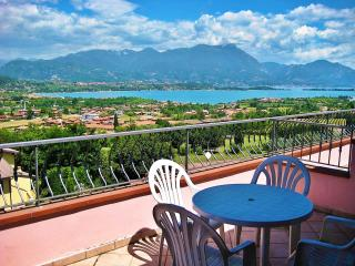 A/7 Apartment with Terrace and Lake View (4 pers), Manerba del Garda
