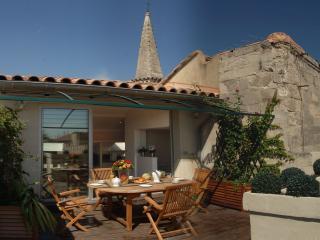 Wonderful 3 bedroom apartment in Avignon with jacu, Aviñón