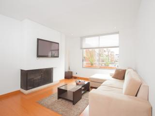 Minimalist 2 Bedroom Apartment in Parque 93, Bogota