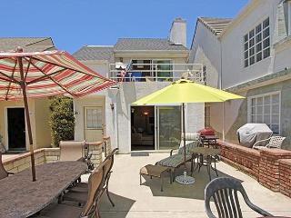 Great patio for enjoying Newport sunshine all year! (68371), Newport Beach