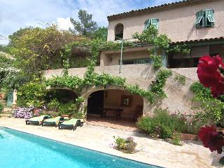 VILLA de charme avec PISCINE privée Côte d'Azur, Roquefort les Pins