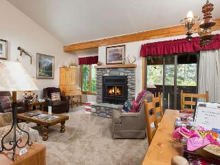 Jackson Hole condo in the Aspens. Lodging near Teton Village.