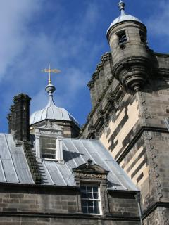 George Heriot's School,founded 350 yrs ago to educate sons of widows.'Hogwarts'