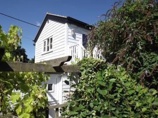 The Boathouse - one bedroom 2-storey dwelling