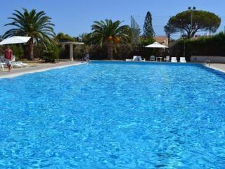 Sun villa in seaside residence with pool, Cefalu