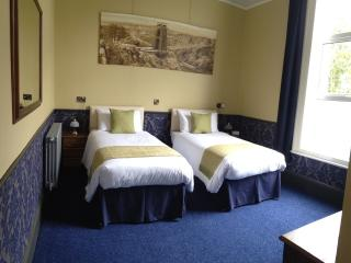 Brunel Twin beds or super king bed
