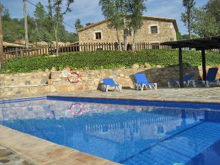 Can Saladrigas: ideal 6BR, 7BA family villa, Santa Coloma de Farners